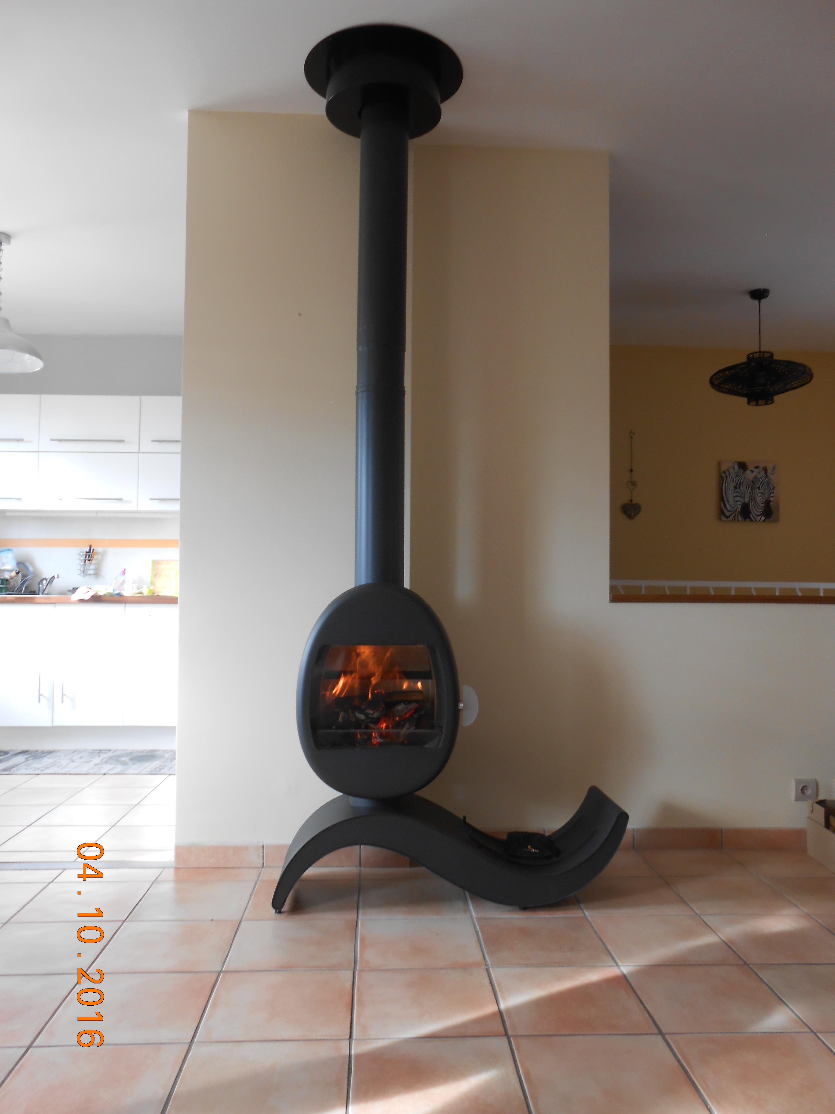 photo réalisation, JOTUL Brive Cheminées, SCAN 66-5, poele à bois, design danois, forme ronde