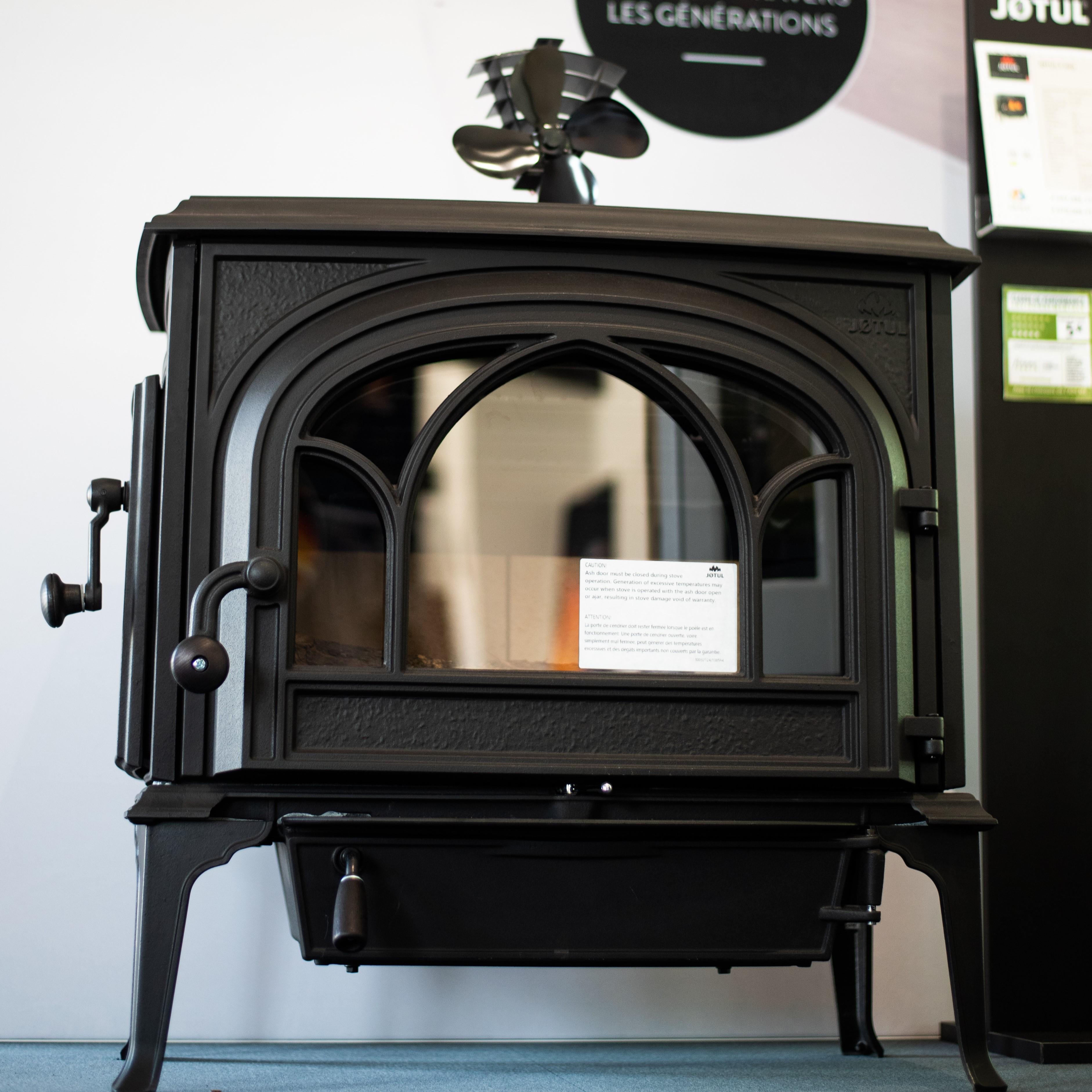 Showroom JOTUL Savigné, Giraud & Fils, poêle à bois, JOTUL F 500, classique, chargement latéral